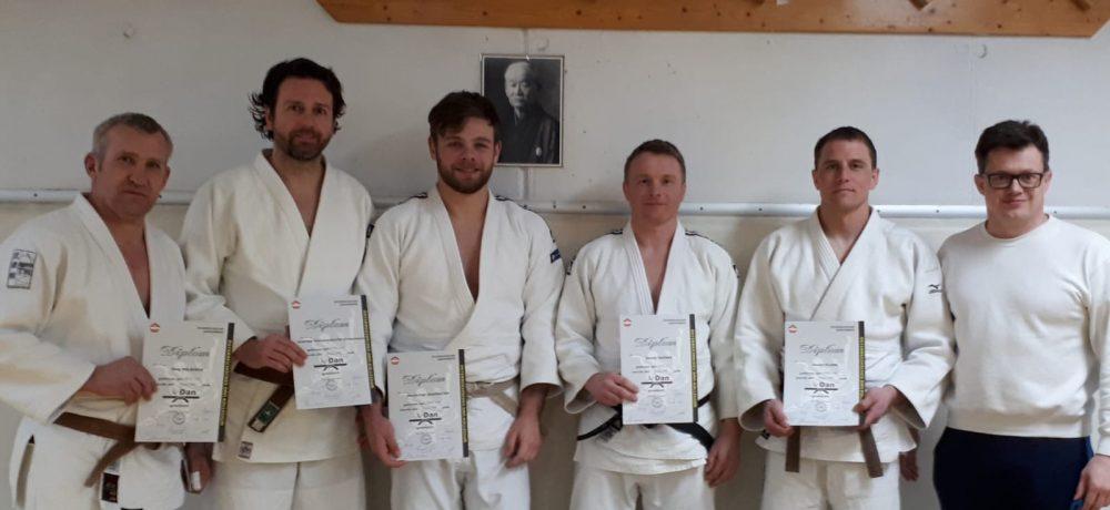 3 Kirchhamer legten erfolgreich die DAN-Prüfung in Innsbruck ab